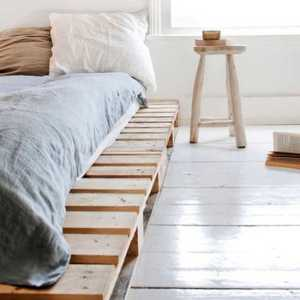Recycled Wood Pallet in Bedroom