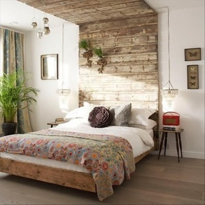 Pallet Headboard as Wall Accent
