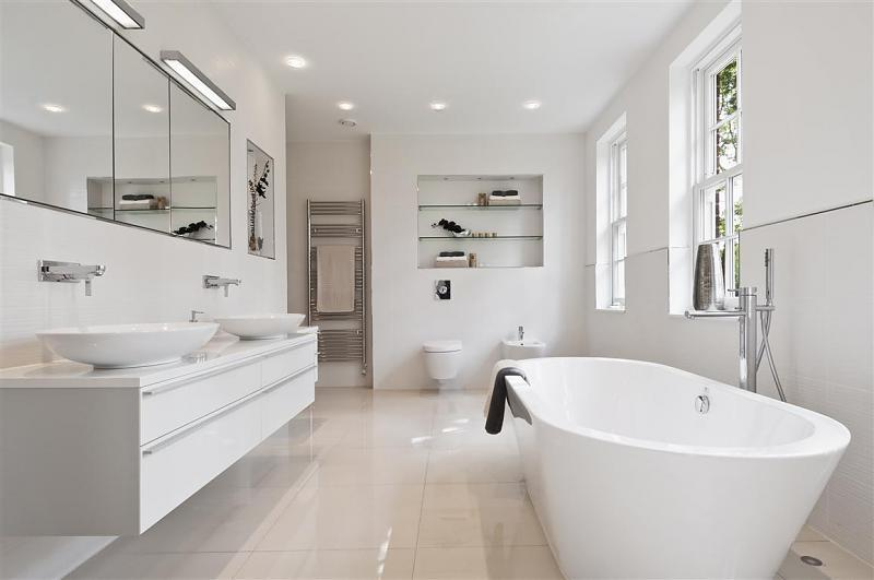 Luxury White Bathroom Design