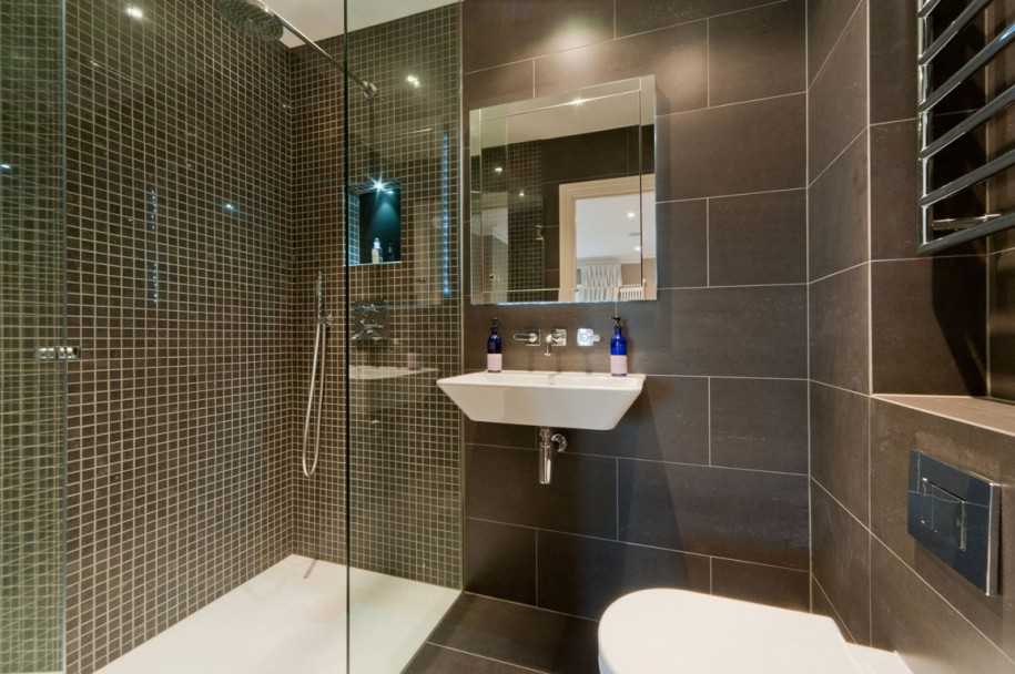 Interesting ideas you should try in designing shower room for Restroom design for small space